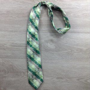 Van Heusen Green Diamond Pattern Always Tied Tie